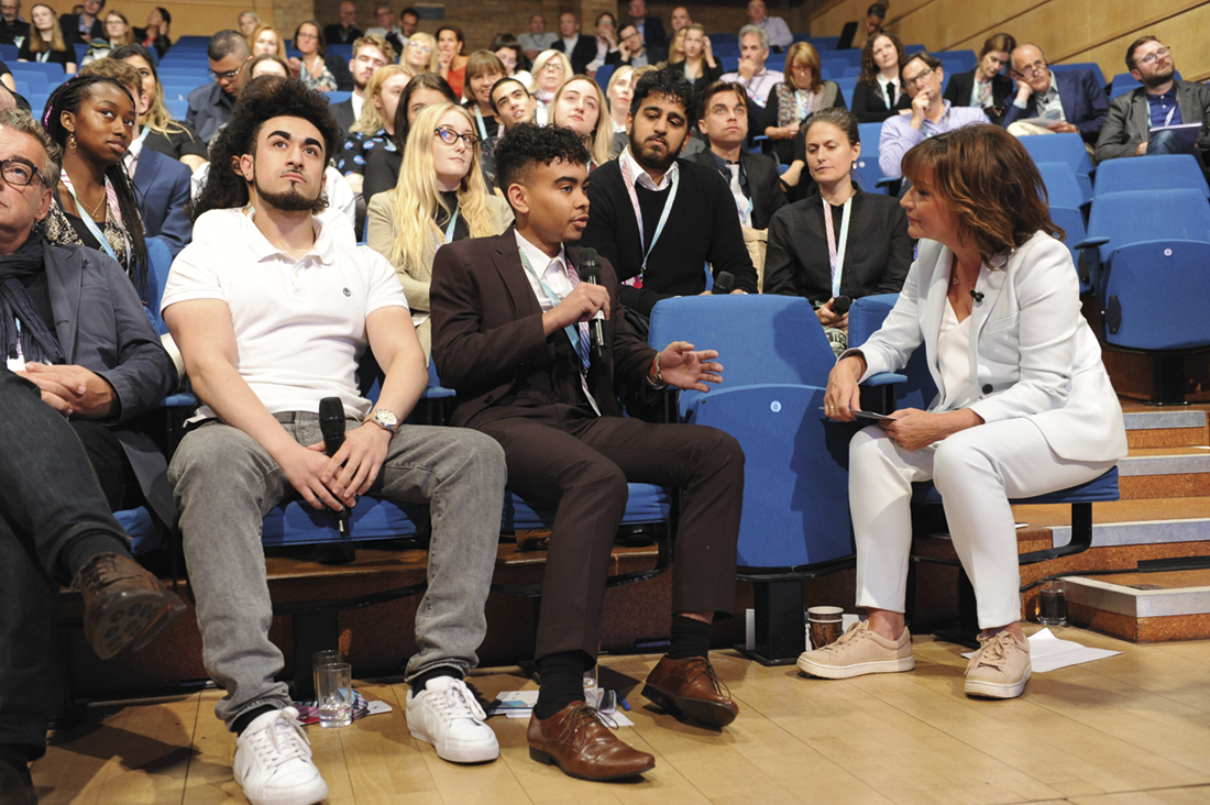 Lorraine Kelly interviewing RTS bursary students (Credit: RTS/ Richard Kendal
