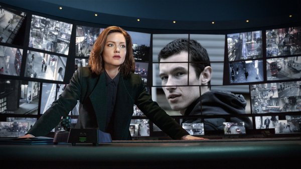 DI Rachel Carey (Holliday Grainger ) and Shaun Emery (Callum Turner) in The Capture (Credit: BBC/Heyday Films/Guy Farrow/Matt Burlem)
