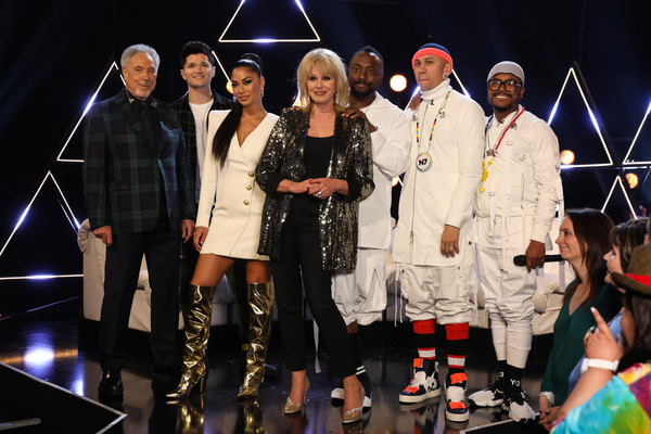 Sir Tom Jones, Danny O'Donoghue, Nicole Scherzinger, Joanna Lumley and The Black Eyed Peas (Credit: ITV)