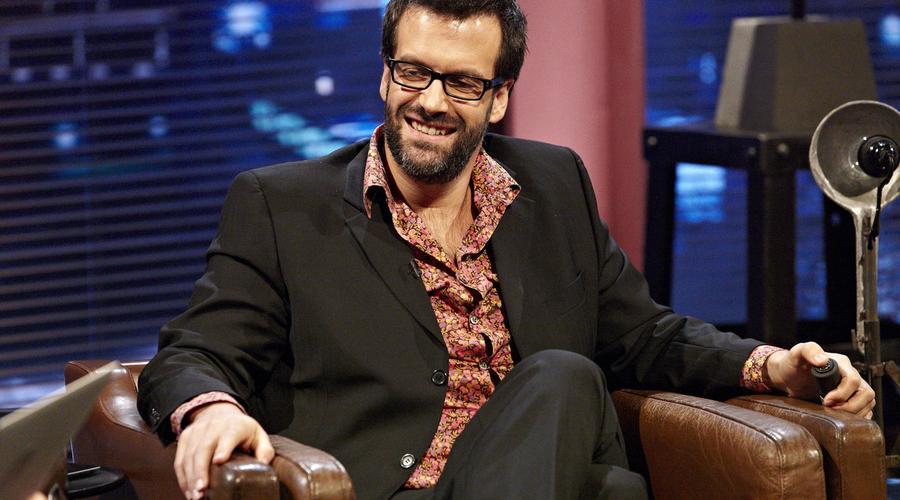Marcus Brigstocke appearing on Alexander Armstrong's Big Ask (Credit: UKTV)