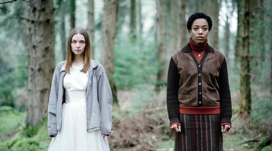 Alyssa (Jessica Barden) and Bonnie (Naomi Ackie) (Credit: Robert Chiltern/Clerkenwell Fi/Channel 4)