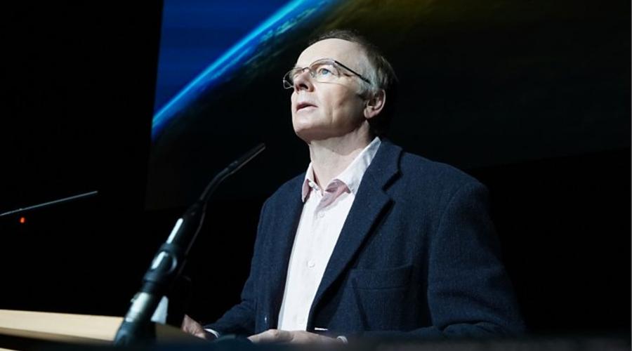 Jason Watkins as Phil Jones (credit: BBC)