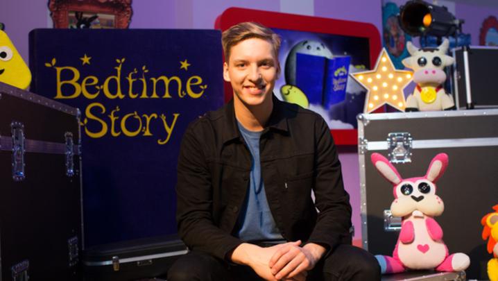 George Ezra on CBeebies Bedtime Stories (Credit: BBC/Pete Dadds)