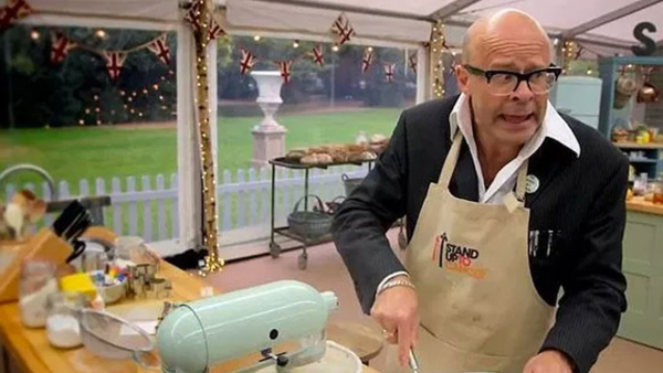 Harry Hill on Celebrity Bake Off (Credit: Channel 4)