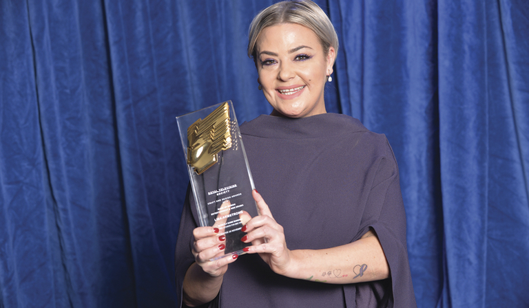 Lisa Armstrong with her RTS Craft & Design Award (Credit: Richard Kendal)
